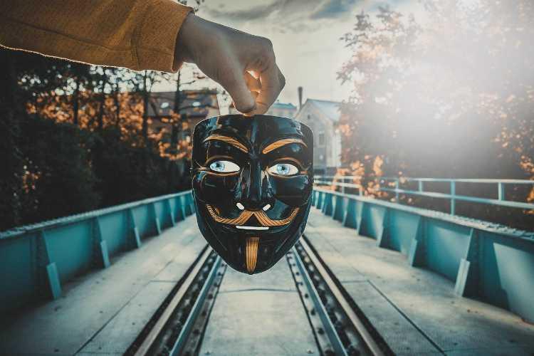 mask fake